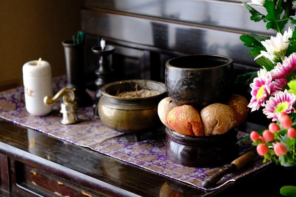 仏壇を処分する時はどうする?その方法や分別の仕方についてサムネイル
